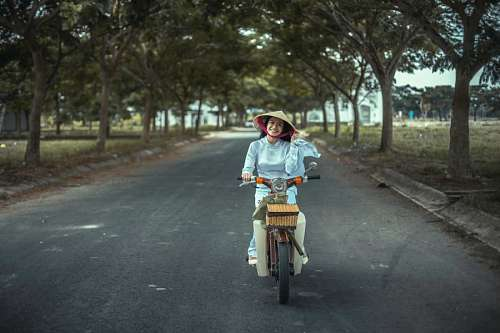 free images  Woman cycling