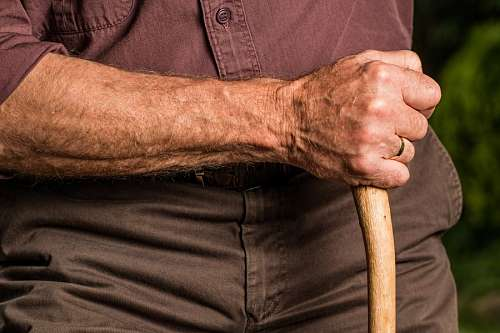 free images  Old man with cane