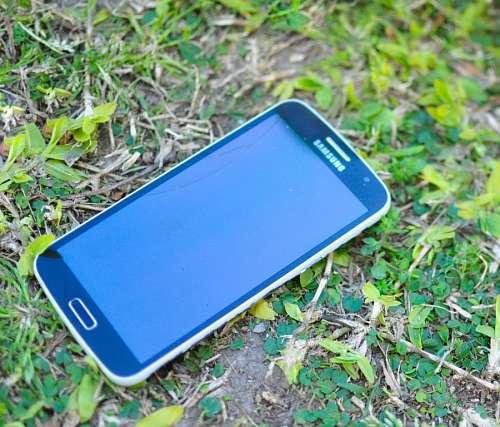 free images   Smartphone broken