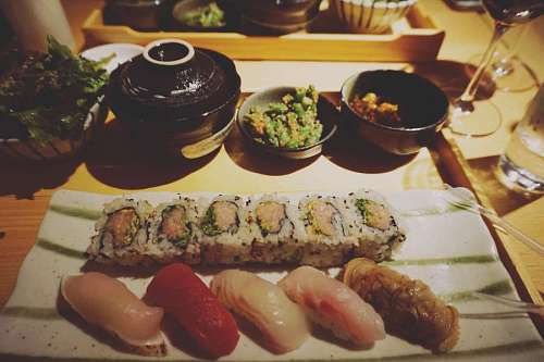 free images   Sushi tasting in a restaurant