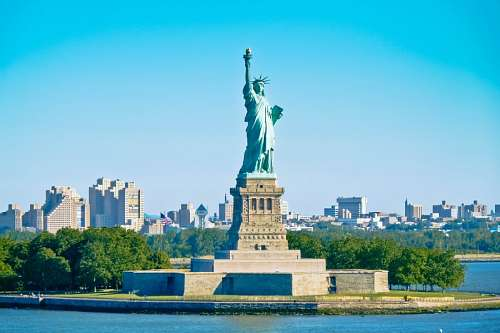 free images  View of New York City and Statue of Liberty