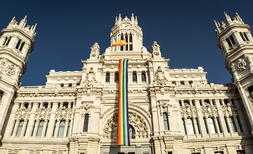 Gay pride flag en España
