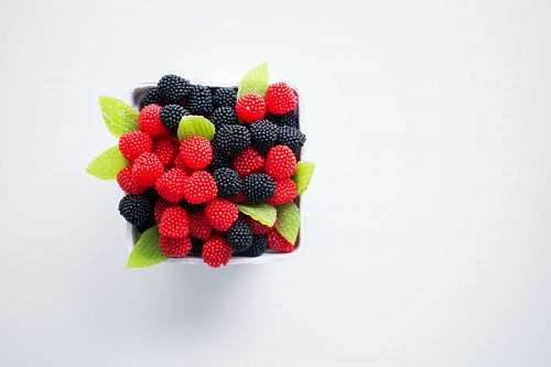 free images  Raspberries box