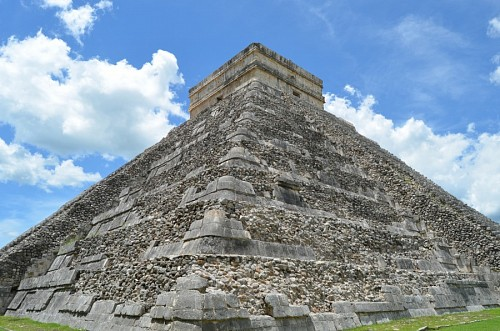 Ancient temple of Kukulcan, México