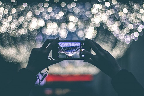 Photographing with Bokeh effect smartphone