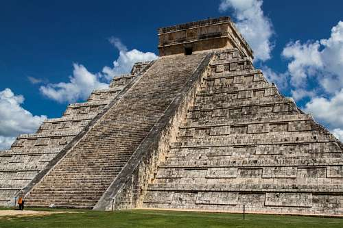 free images  Chichen Itza Pyramid