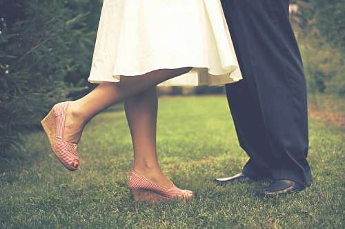 free images  Legs of newlyweds