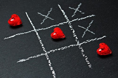 Tic tac toe heart for wallpaper