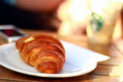 free images  Croissant