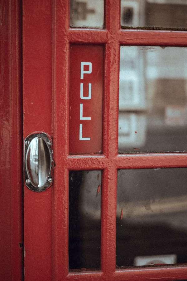 cabin, telephone, telephone, public, red, throw, door, handle, city, urban, urban scene, nobody,
