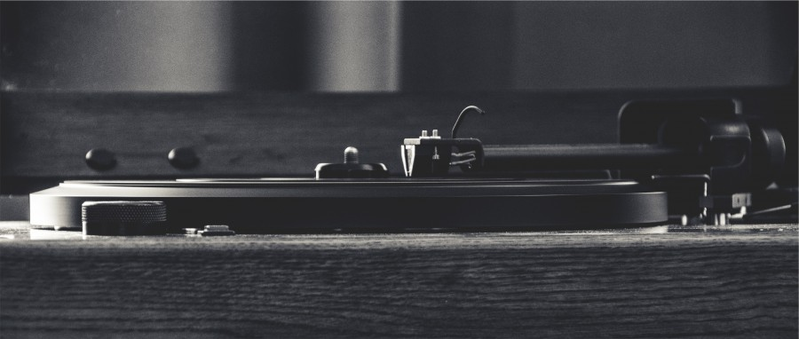 turntable, record, vinyl, needle, tonearm, music, musical instrument, vintage, black and white,