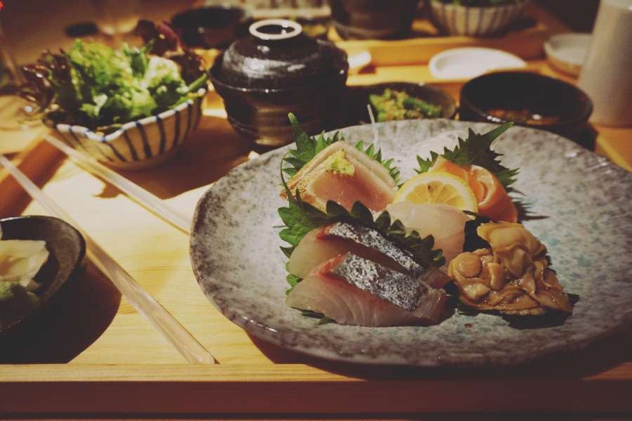 food, sushi, table, japanese, seafood, restaurant, salmon, plate, dinner, raw