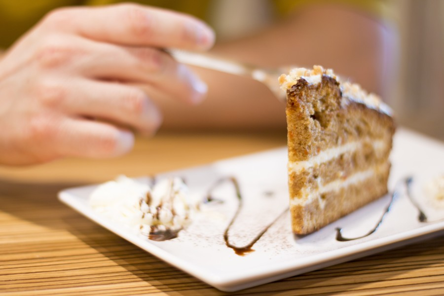 cake, food, sweet, hand, man, eat, dessert, pie, cake, chocolate, cream, dish, slice,