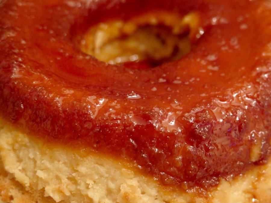 cake, bread, isolated, white, chocolate, sponge, background, butter, food, sweet, eating, dessert, breakfast, pastry, homemade, fresh, plate, image, brown, studio, tasty, snack, cook, sugar, baked,