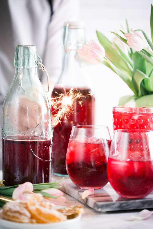 cocktail, drink, cold, fruit, strawberry, red, glasses, bottle, glass, color, fresh, freshness, sangria, wine,