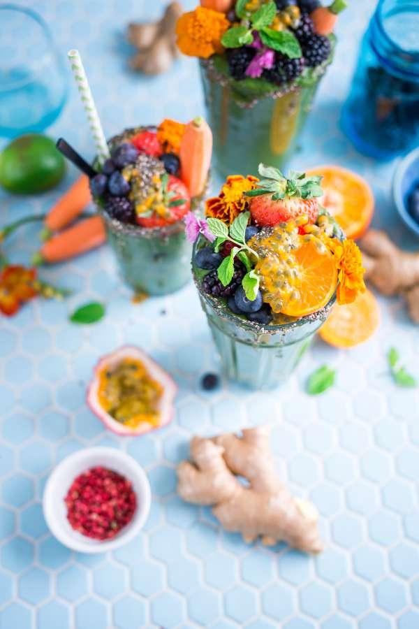 cocktail, drink, drink, fruit, fruit, blueberry, berries, blackberries, orange, slices, alcoholic, colorful, ginger,