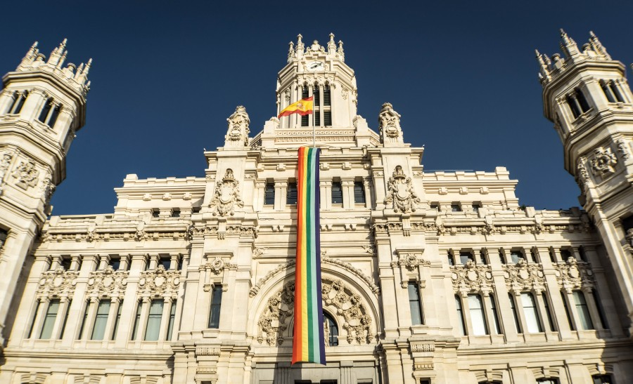 gay flag, rainbow flag, monument, madrid, architecture, spain, building, palace, colossal, perspective, city, europe, urban landscape, cybele monument, facade, free pictures, images of gay men, gay pride, gender equality, homesexualidad, lesbian, transgender, bisexual, gay men free photos