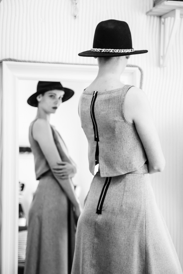 woman, mirror, fashion, beauty, self-esteem, model, 20, dress, black and white, one person, people, hat,