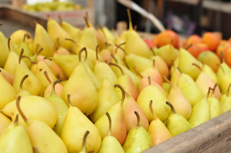 trade, sale, greengrocer, pear, pears, fruit, fruits, background, nature, healthy, fresh, freshness, drawer, much, many,