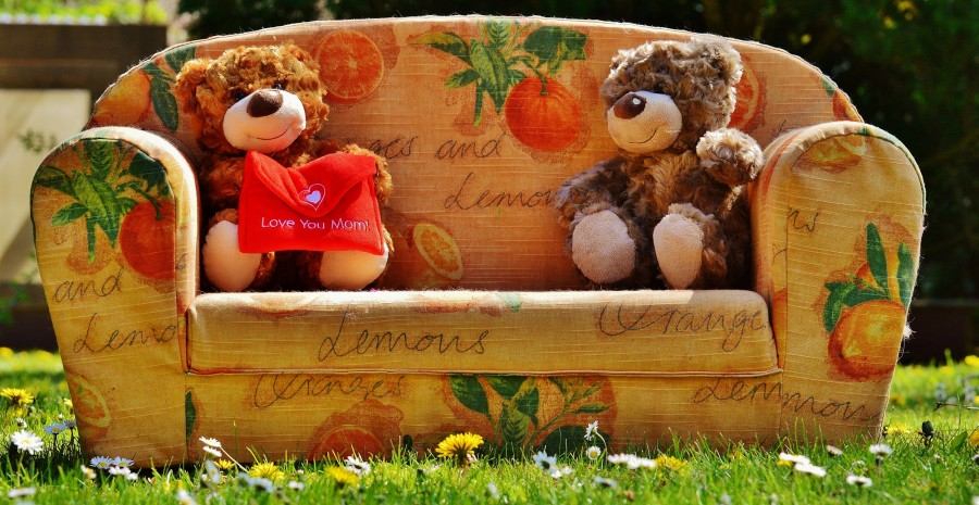 teddies, bears, teddy bears, affection, affectionate, tender, tenderness, adorable, sweet, sweetness, love, lovers day, valentines, mother's day, love you mom, gift, gift, present, armchair, fruity reason, Green, lawn, images of love, images for mom, mother, I love you