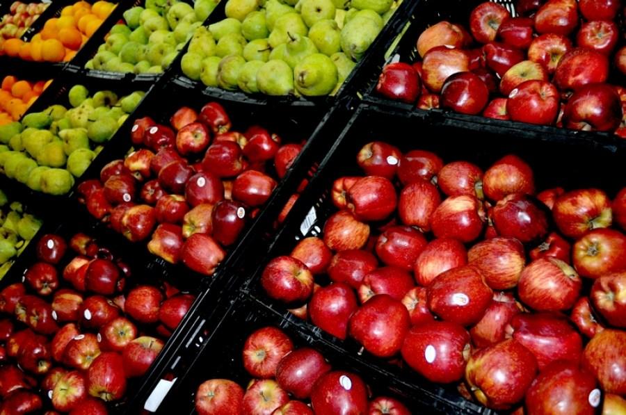 supermarket, trade, fruit, fruits, sale, apple, apples, pear, pears, red, shelf, gondola, interior, nobody,