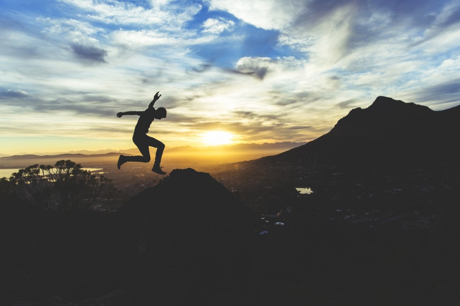one person, people, man, young, adult, joy, happiness, freedom, jump, jumping, sunset, sunset, sunset, vacation, traveling, travel,