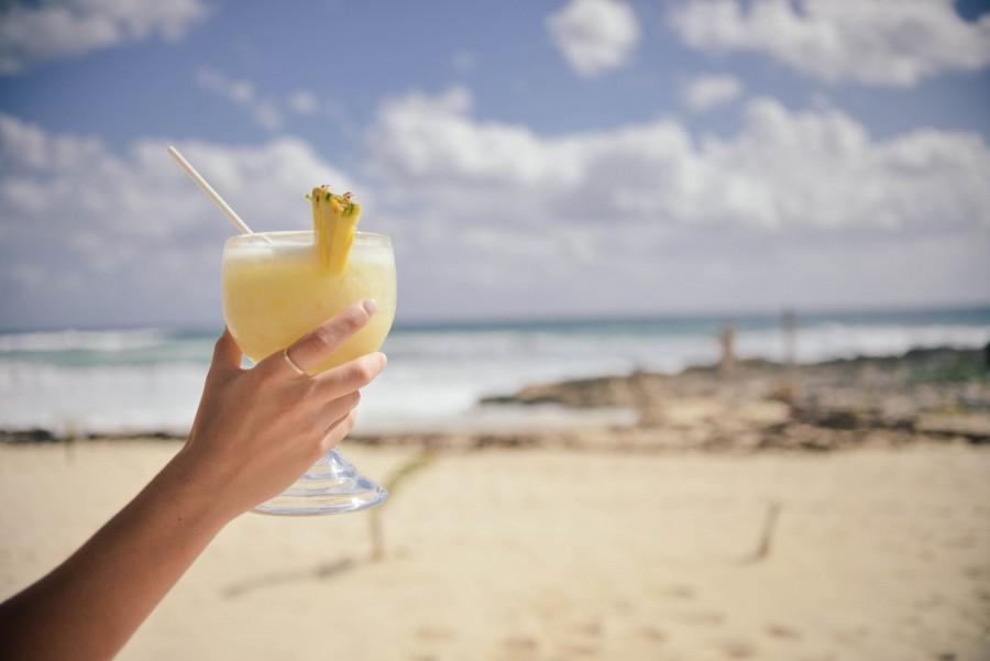 Beach, Ocean, Pineapple, Piña Colada, Summer, Travel, Woman, Yellow, alcohol, bar, blue, cocktail, drink, hand, vacations, party, relax, restaurant, samd, sea, sun, vacation, travel, holiday,