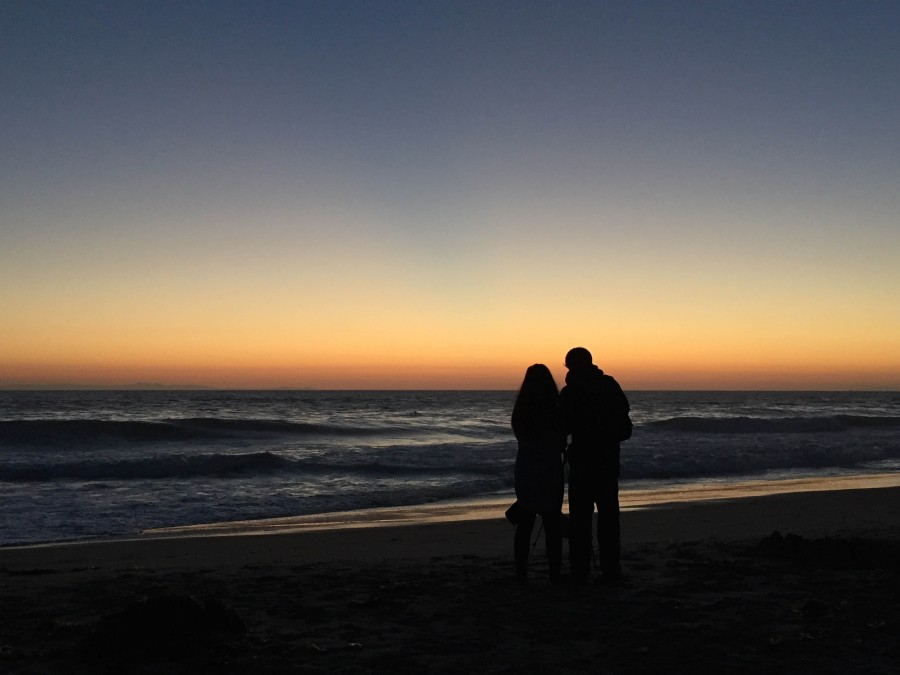 sunset, two, people, couple, man, woman, beach, love, romance, romantic, silhouette,