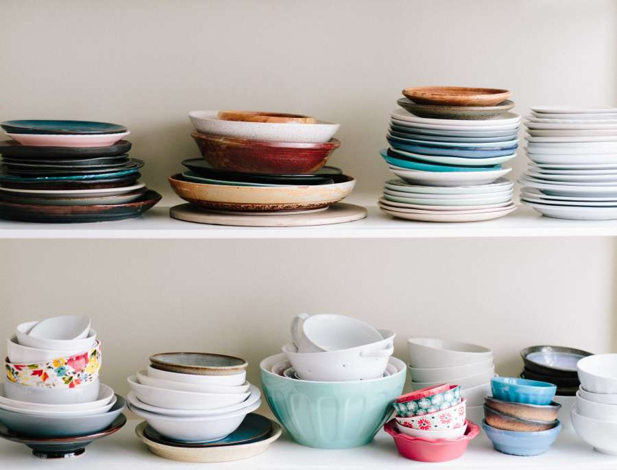 ceramic, dish, dishes, bowl, kitchen, shelf, crockery, colorful, colors, modern, different, stack, stack, much, plate, plateful