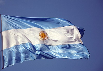 free images  prod04, flag, front view, Argentina, blue sky, clo