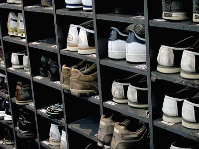 free images  shoe, shoes, footwear, order, ordered, shelf, shel