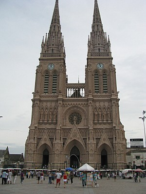 Argentina, Buenos Aires, lujan, church, cathedral,