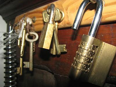 key, key, key, key lock, security lock, close, met