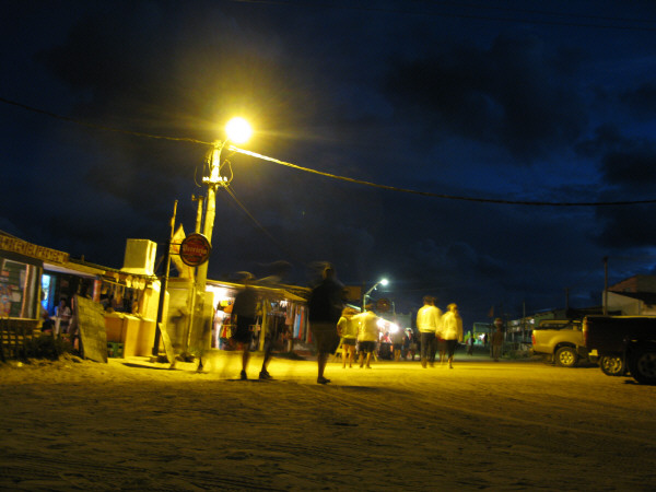 business, trade, sell, restaurant, beach, summer, night, sea, light, lights, front view, Uruguay, polonium out, people, group of people,
