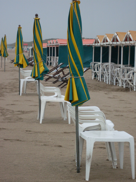 Argentina, Atlantic ocean, day, outdoor, outside, sand, spa, nobody, loneliness, lonely, bad weather, chaise, chairs, tent, tents, umbrella, umbrellas, closed, chair, chairs, prod05