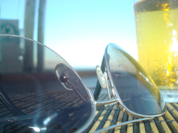 summer, vacation, relax, drink, beer, alcohol, alcoholic, alcoholic, foreground, glass, nobody, foam, fresh, fresh, cold, nobody, typical, typical, tradition, traditional, lens, lenses, sunglasses, bar , prod05