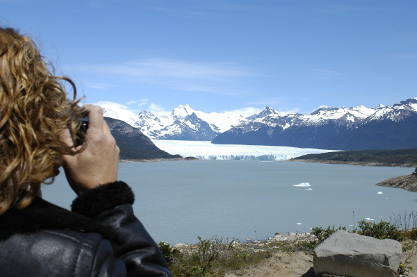 South America, South America, Argentina, santa cruz, Perito Moreno Glacier, Glacier, one person, people, man, photograph, drawing, taking, photo, photography, photograph, photographing, night, landscape, ice, cold, outdoor, national park , prod05