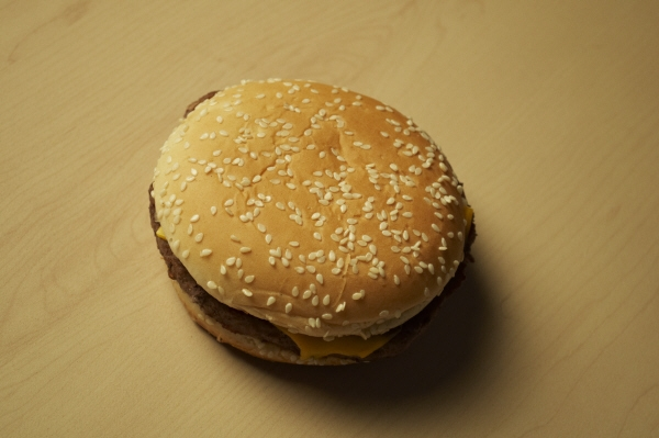 Eating hamburger, seen from above, junk, fast food, fast food, cheese, bread, seed, seeds, nutrition, nobody, AGO2010